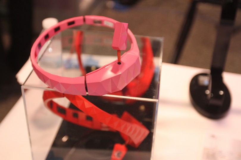CES 2016: a new mind-control headset form BrainCo.